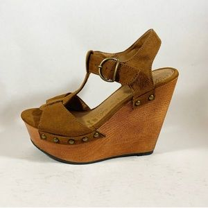 70s Inspired Wedge Sandals with Wood Heel
